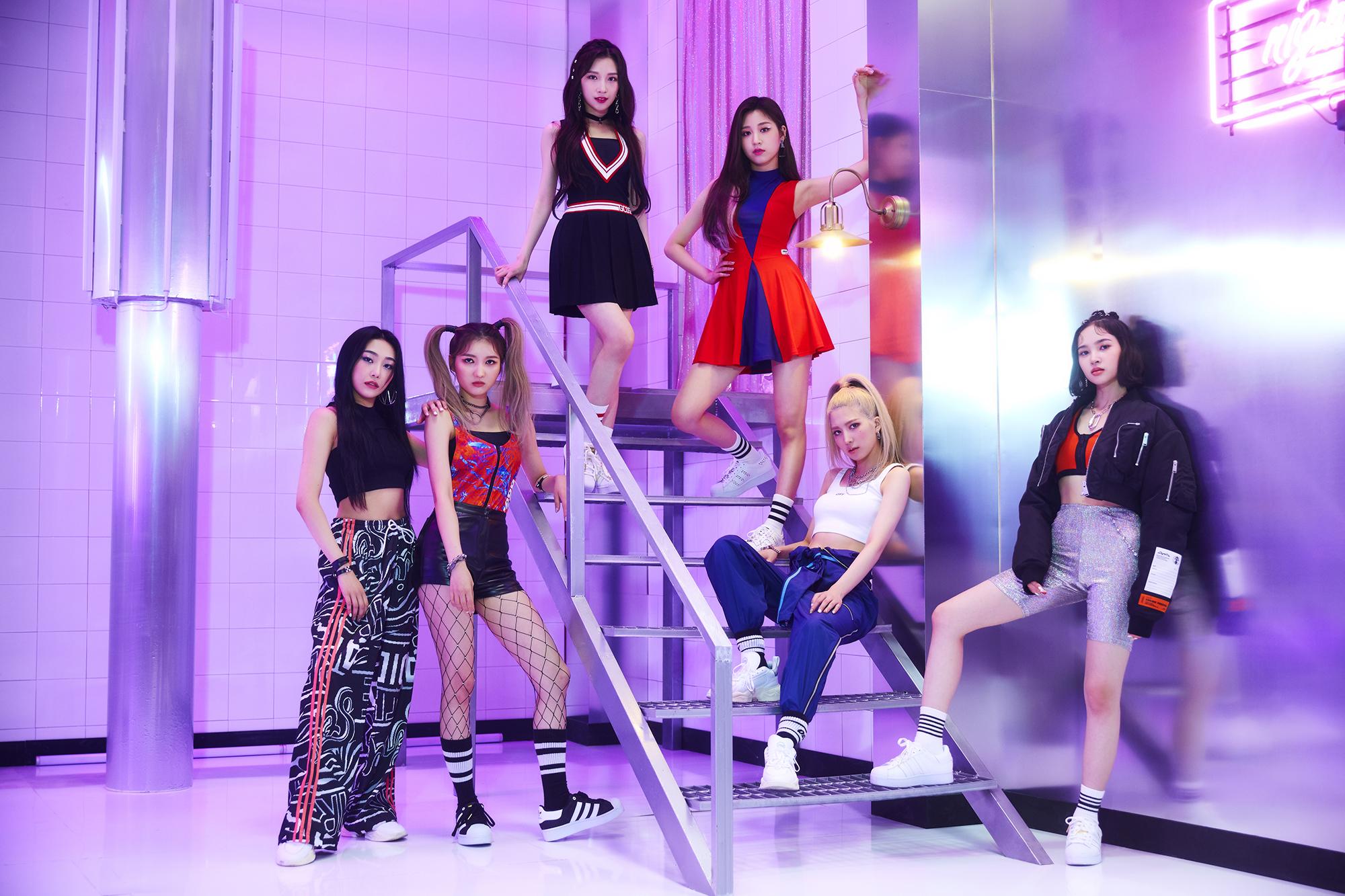 日韓同時デビューを控える『Bling Bling』新たなイメージショットと日本のファンへのメッセージ動画初公開!